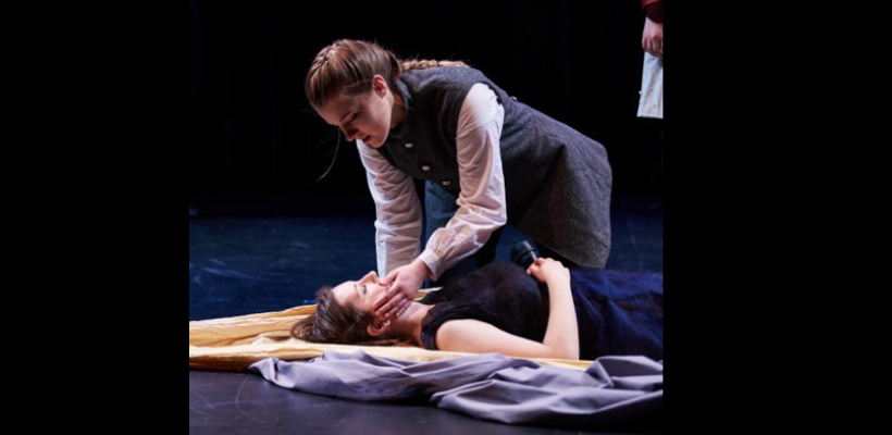 Mckenna Donahue and Lindsey Crocker in UTS' Hamlet / Photo by Max Golub
