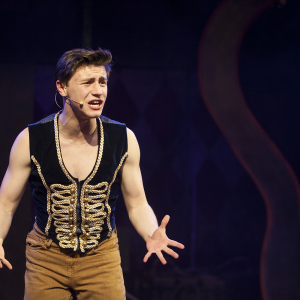 Alex Becker as Pippin