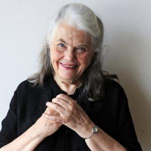 Lois Smith headshot