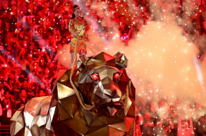 Katy Perry performing during the Super Bowl halftime show. Evan Alexander (MFA '96) worked on the design elements for the performance.